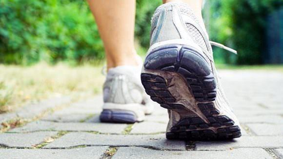 軽い運動を心がける